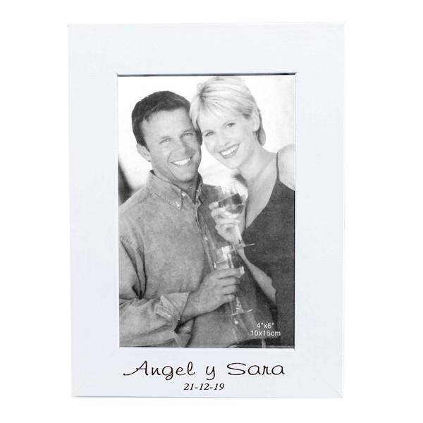 Detalle boda portafoto madera blanco grabado