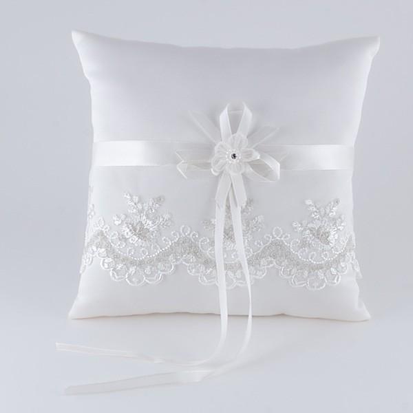 Complemento para boda cojín flores bordado plata