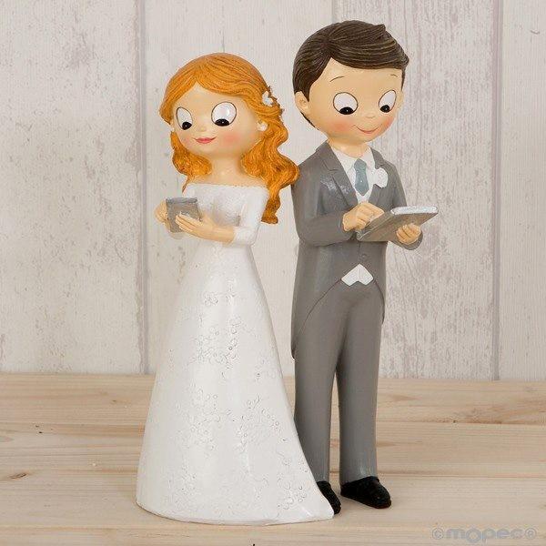 Detalle boda figura tarta pastel novios tecnologicos