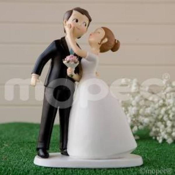 Detalle boda original novios para tarta beso
