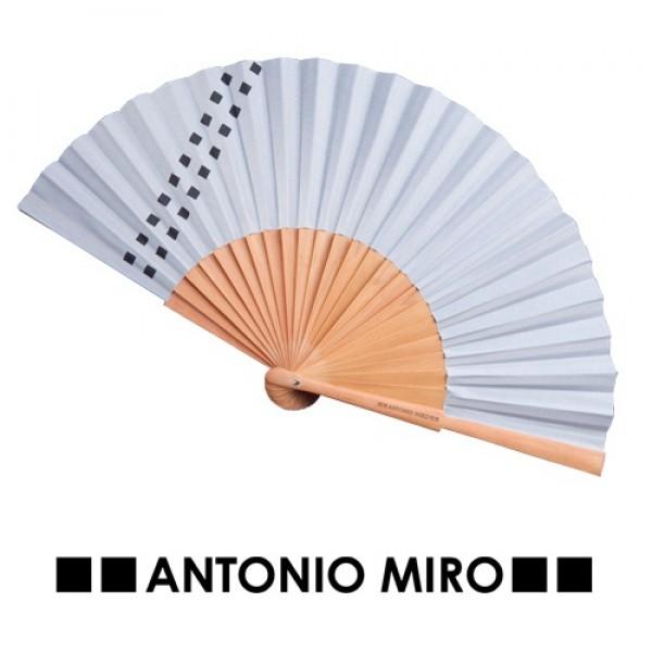 Detalle de Boda Abanico Parix Antonio Miro