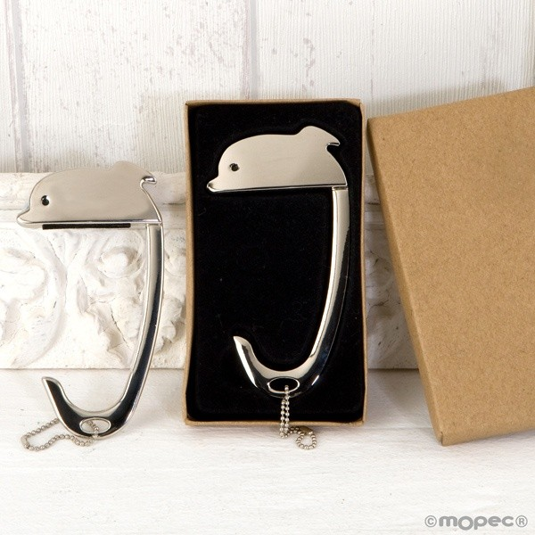 Detalle boda cuelga bolsos delfin en caja