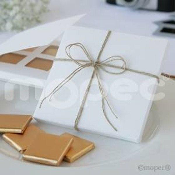 Detalle de boda caja con cuatro chocolatinas