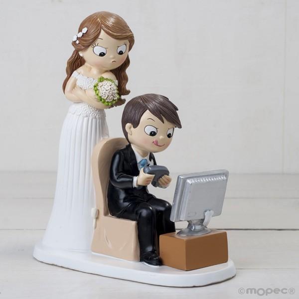 Detalle boda figura tarta novios vídeo juegos