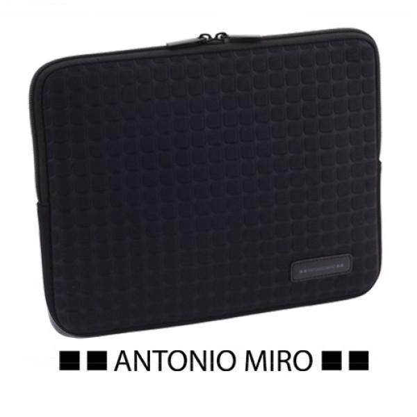 Detalle de Boda Funda Tablet Taxsa Antonio Miro