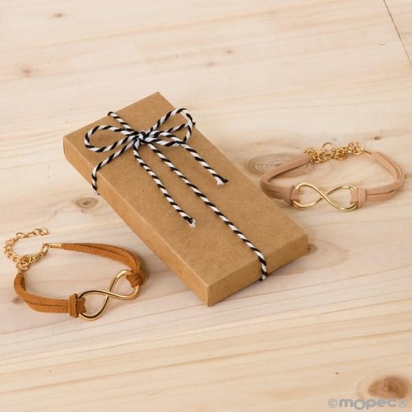 Detalle boda pulsera infinito en caja