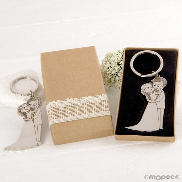 Detalle boda llavero novios caricia caja adornada