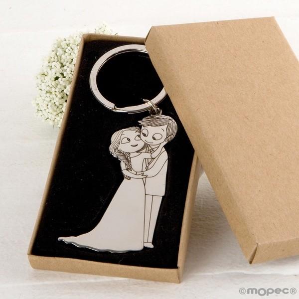 Detalle boda llavero novios caricias