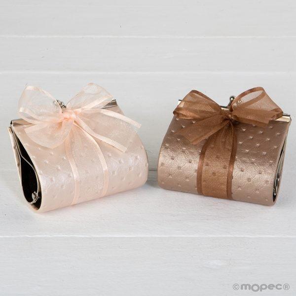 Detalle boda monedero nude con dos bombones