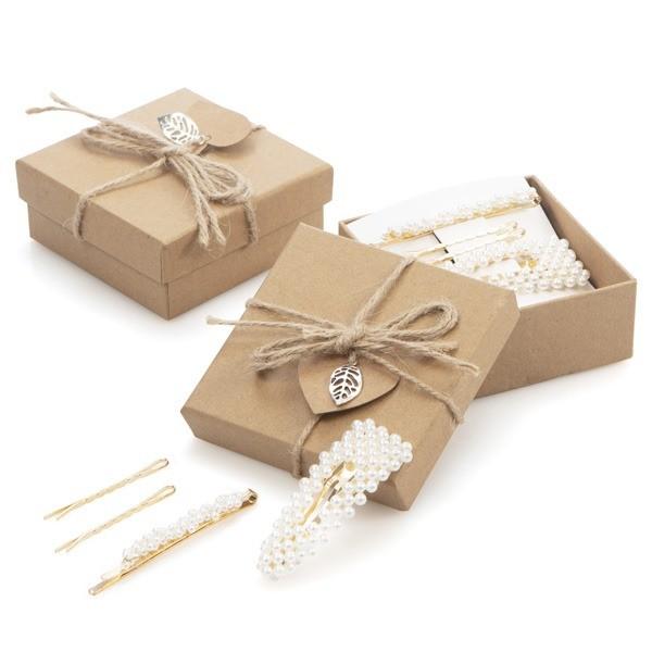 Detalle comunión mujer caja regalo con pasadores perlas