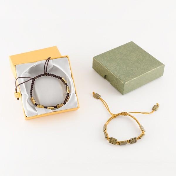 Detalle de Boda pulsera piedras metal