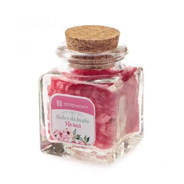 Detalle boda sales de baño de rosas