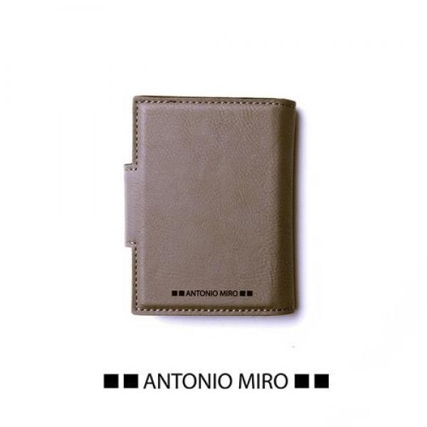 Detalle de Boda Tarjetero Kunlap -Antonio Miro-