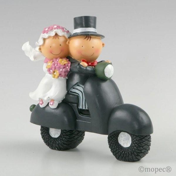 Detalle boda figura tarta hucha novios en moto