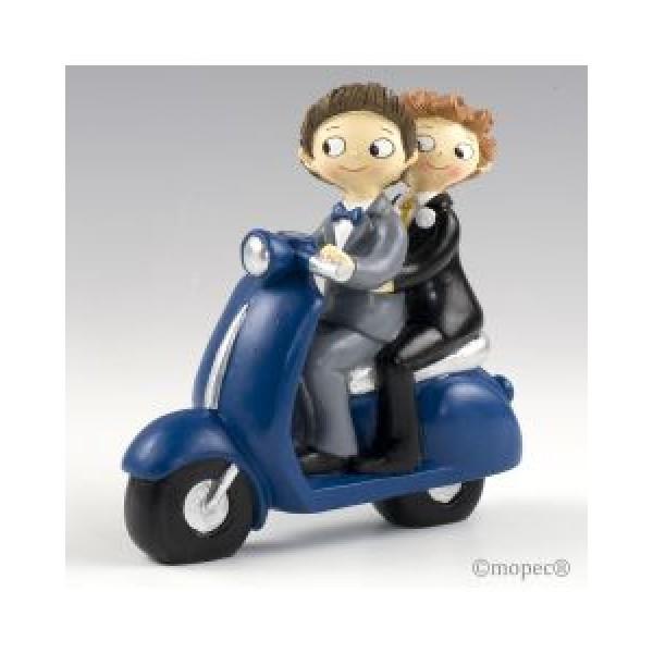 Detalle boda figura tarta novios en moto