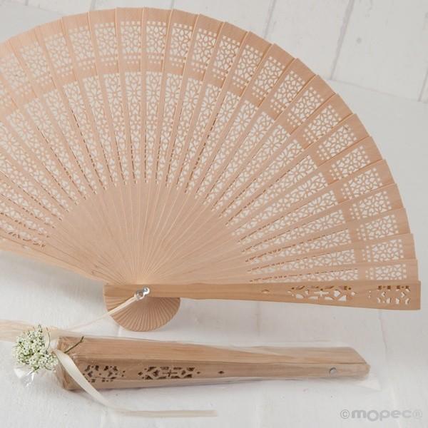 Detalle boda abanico troquelado madera