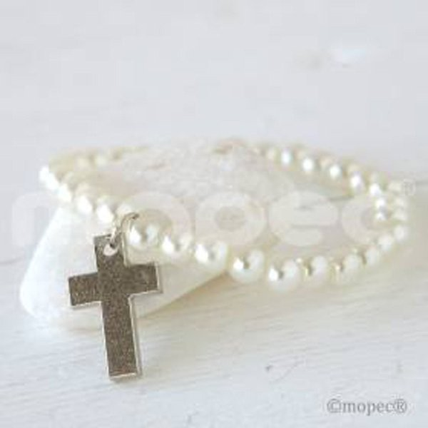 Detalle comunión pulsera perlita y cruz