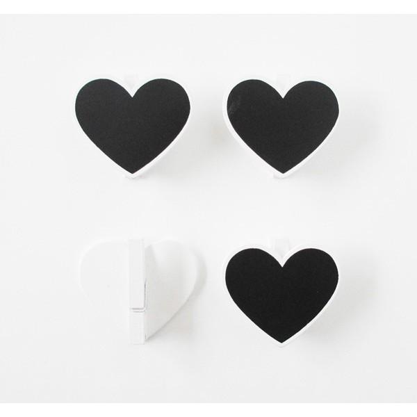 Detalle Boda pinzas pizarra corazones