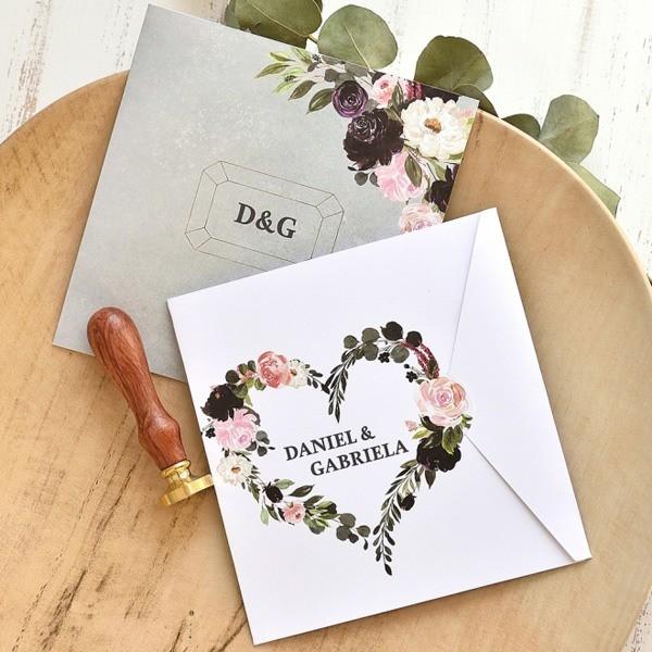 Invitación de boda corazón floral
