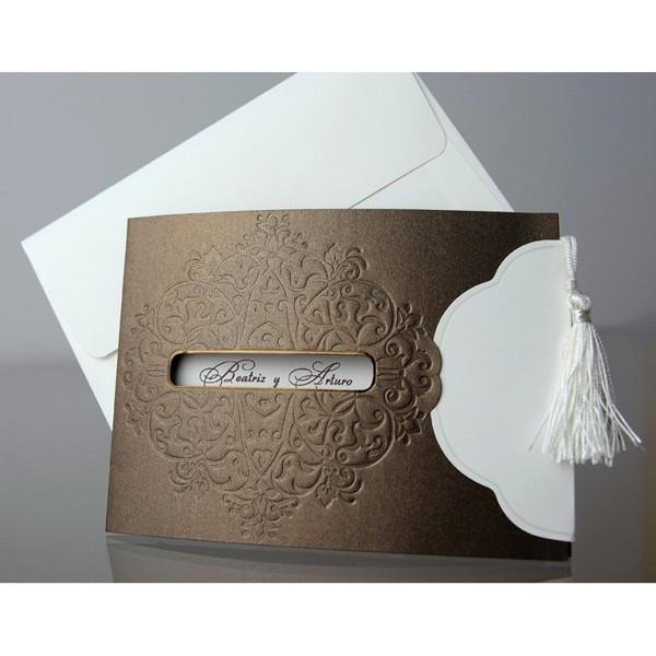 Invitacion de boda original borla blanca