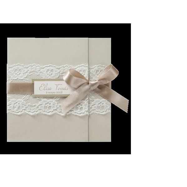 Invitación de boda vintage con encaje y lazo