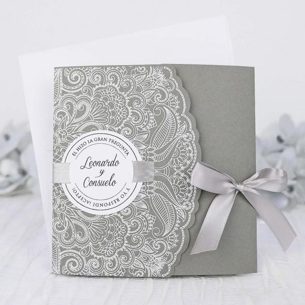 Invitacion de boda vintage lacito