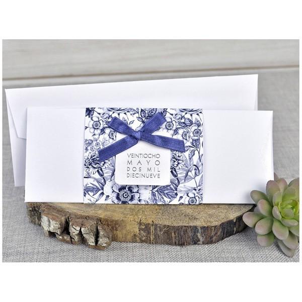 Invitación de boda original cenefa azul